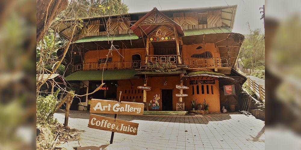 Clay Art Cafe- A Café made with Passion